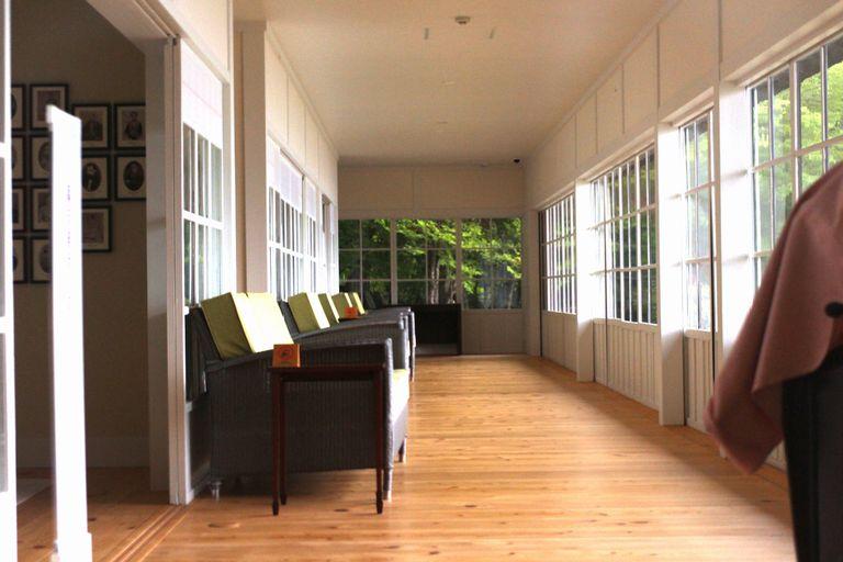 英国大使館別荘記念公園の廊下