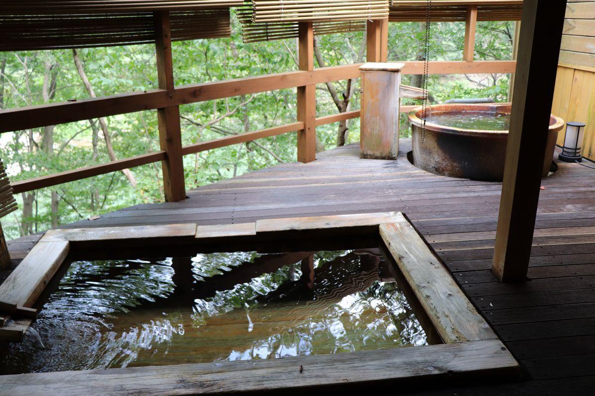 あけびの湯 露天風呂