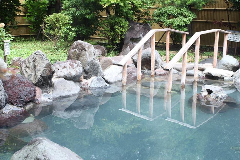 鬼怒川公園岩風呂 露天風呂