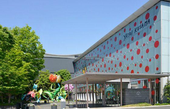 草間彌生も考古学も。アートのまち「松本」で巡る美術館・博物館巡り