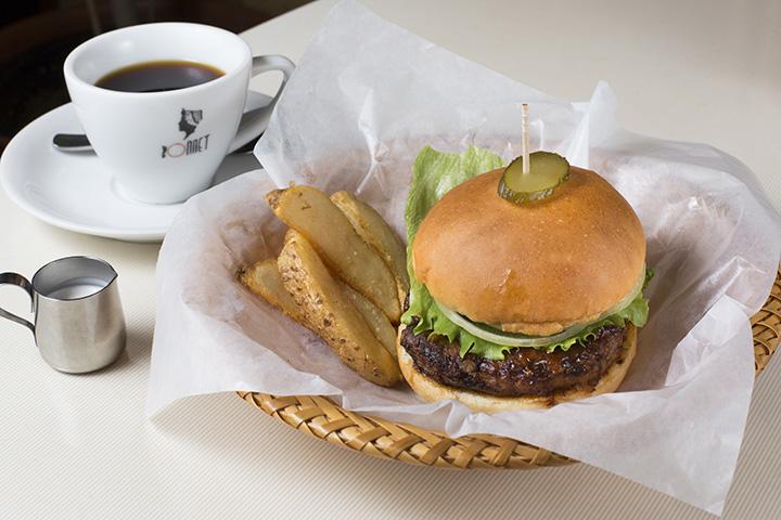ハンバーガーセット(コーヒー付き)800円