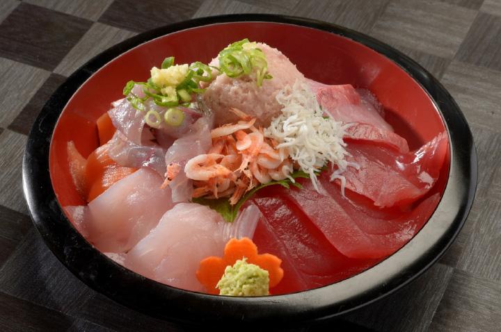 まるごと伊豆の海丼1,950円