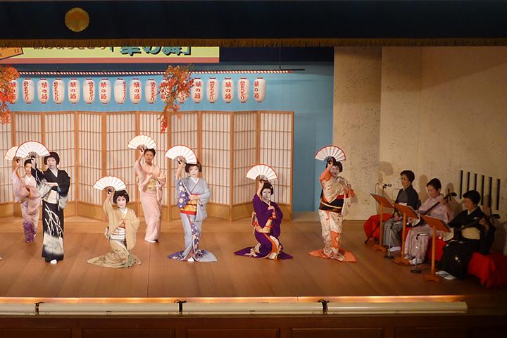 熱海芸妓見番歌舞練場