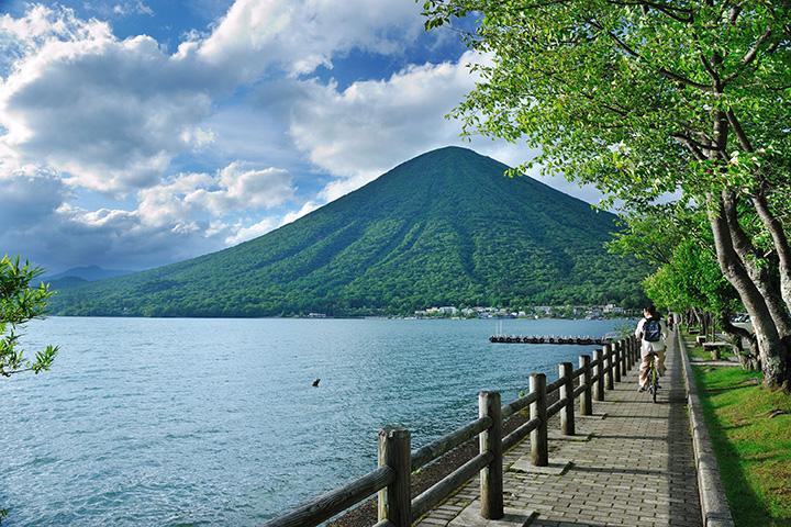 日光を代表する景勝地、中禅寺湖