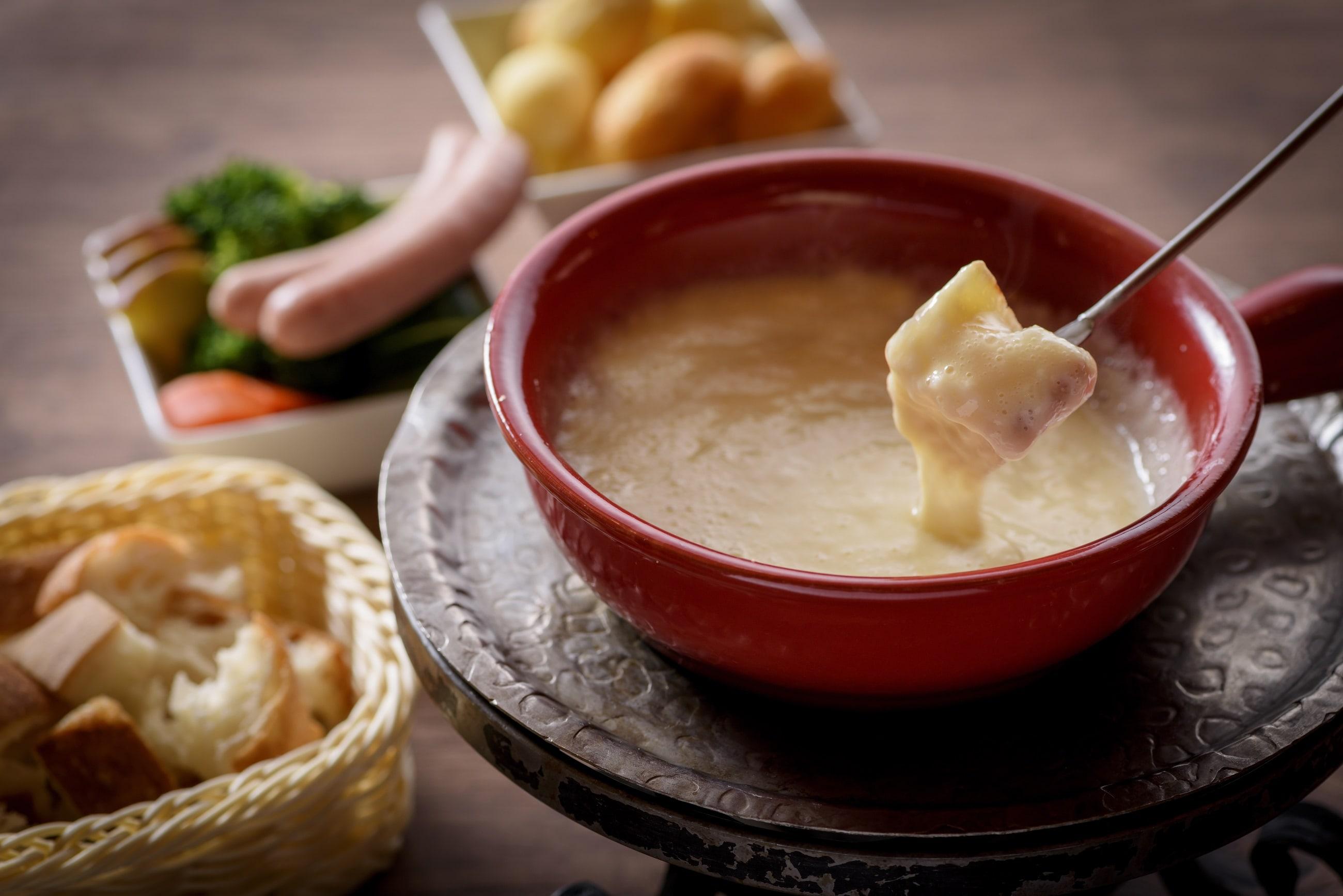 自家製硬質チーズのフォンデュ 白トリュフ風味