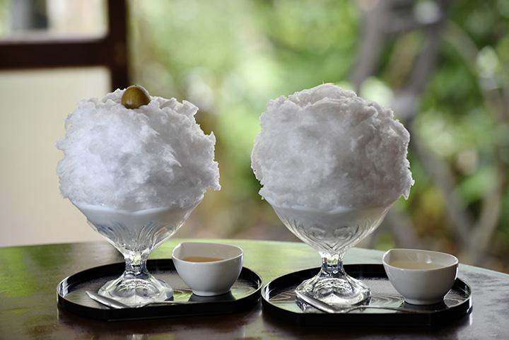 (左)梅酢 800円 (右)手作り甘露 700円