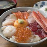 海鮮丼から朝市&市場の人気メニューまで、八戸でおいしい海鮮料理を味わえる店を紹介