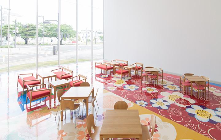 5床の絵は、台湾人アーティストが手がけたもの。「無題」(マイケル・リン)/撮影:小山田邦哉