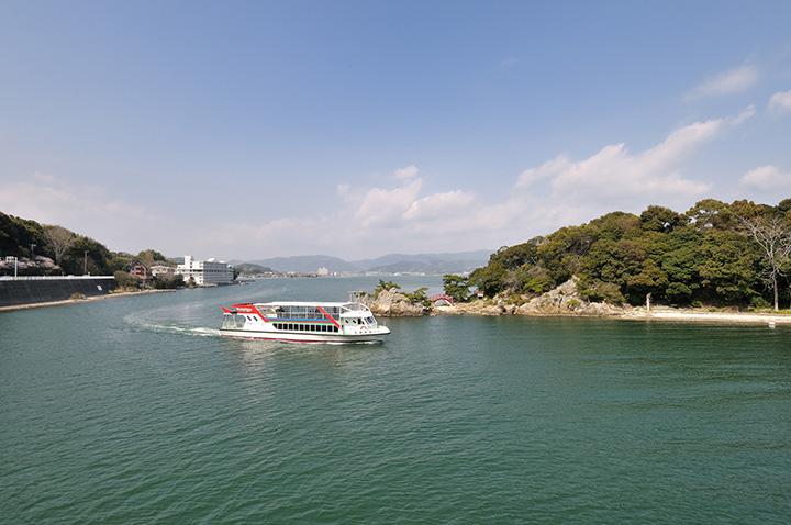30分と60分のコースがある浜名湖を周遊する遊覧船