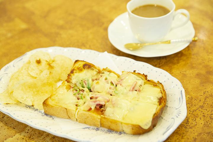 ピザトースト 650円