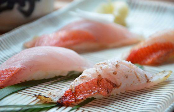 新鮮な魚介や絶品肉料理を味わう、伊東のディナーおすすめ8選