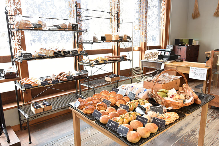 ミネラルたっぷりの全粒粉で作られたパン