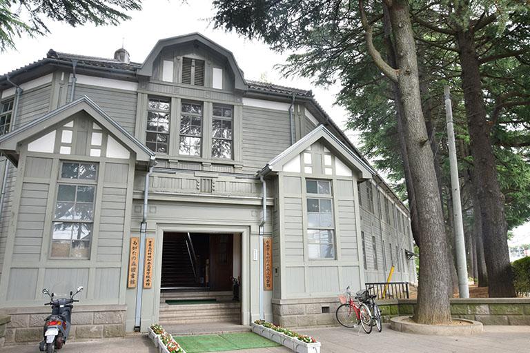 あがたの森公園 旧校舎