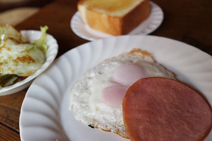 朝食セット800円。30食限定