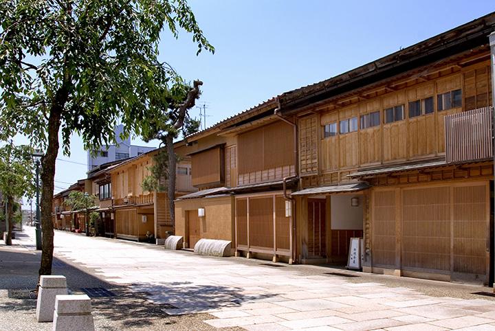 金沢エリア(加賀市含む)の春(3~5月)の気温・服装について