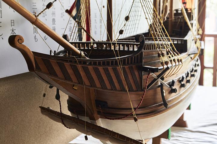 300tの大型船、オランダのリーフデ号。船名はオランダ語で「愛」の意