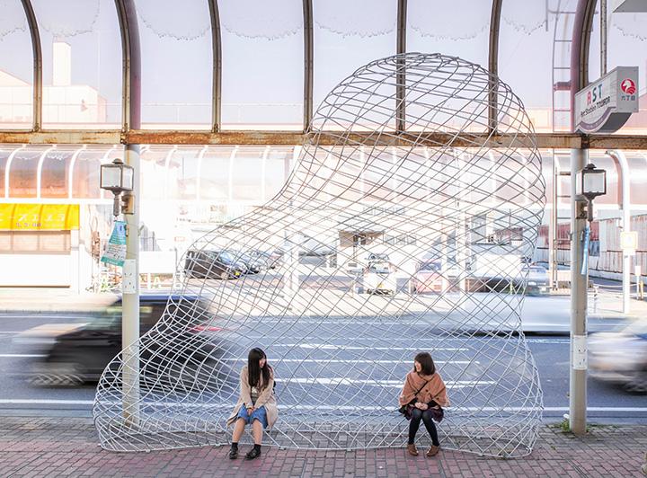 「商店街の雲」(日高恵理香) 撮影:小山田邦哉