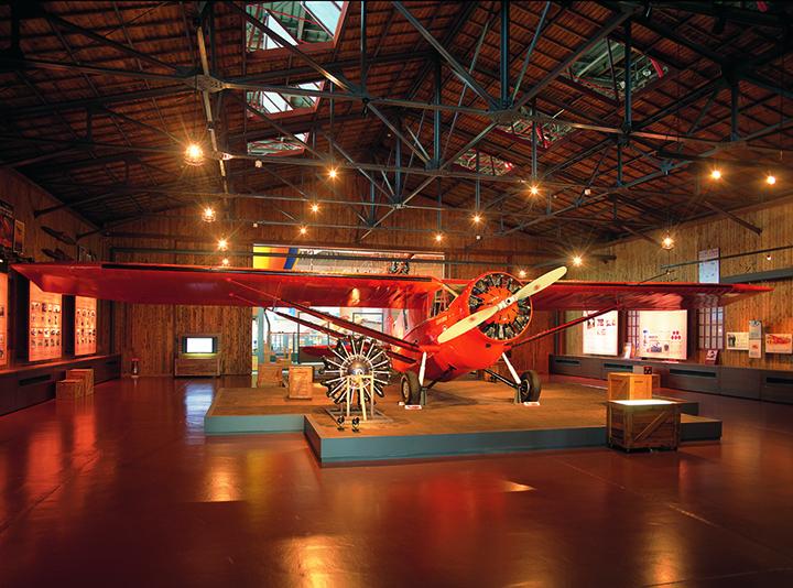三沢から飛び立ち、約41時間かけてワシントン州に着いたミス・ビードル号の複製機