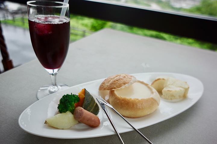 ふらの風チーズフォンデュ プチフォンデュ 900円 ふらの ぶどう果汁 赤 430円