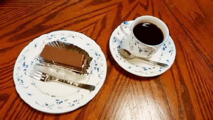 本日のケーキとブレンドのセット600円
