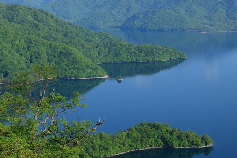 中禅寺湖 上野島