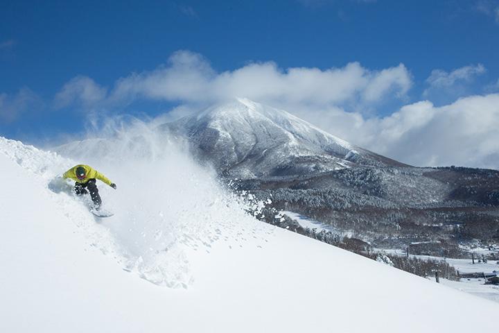 東北最大級のスキー場「アルツ磐梯」