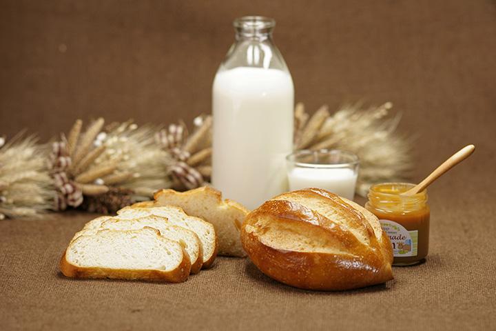 ジャージーミルクパンは350円。ミルクジャムとの相性も抜群