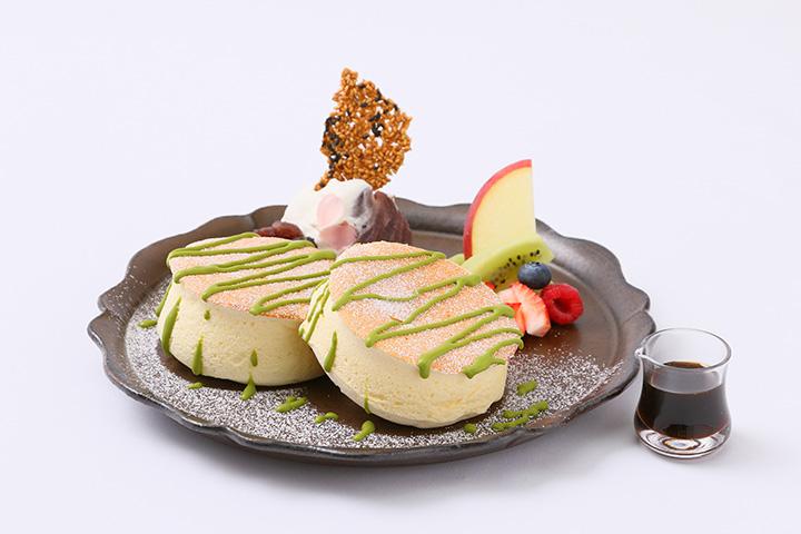 国産米粉の和風パンケーキを楽しめる本社店限定の「あずき茶会」950円(税抜)