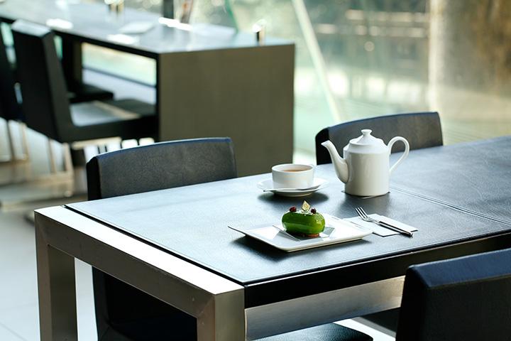 ル ミュゼ ドゥ アッシュは10:00~19:00(18:00L.O.)、無休。カフェだけの利用も可能