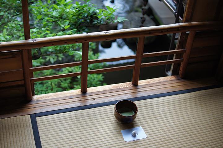 茶室でいただけるお抹茶と干菓子300円