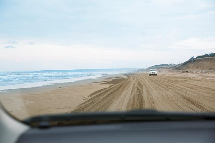 海水浴シーズン以外は混雑も少なく、気持ちよく砂浜を走れる