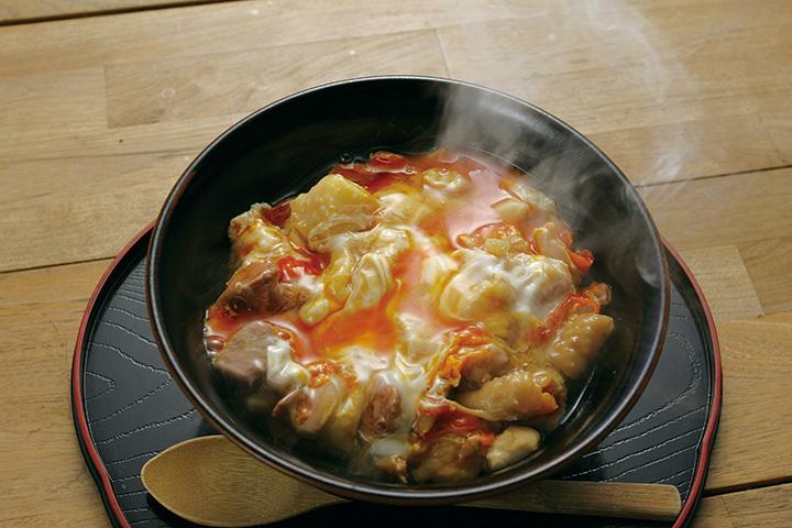 一番人気は中村農場の親子丼980円、スープ付きは1,088円