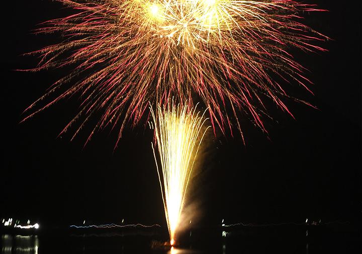 西湖(さいこ)竜宮祭 花火大会 8/2(金)19:30~20:00