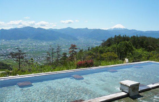 絶景露天風呂から美人の湯まで、八ヶ岳周辺の日帰り温泉