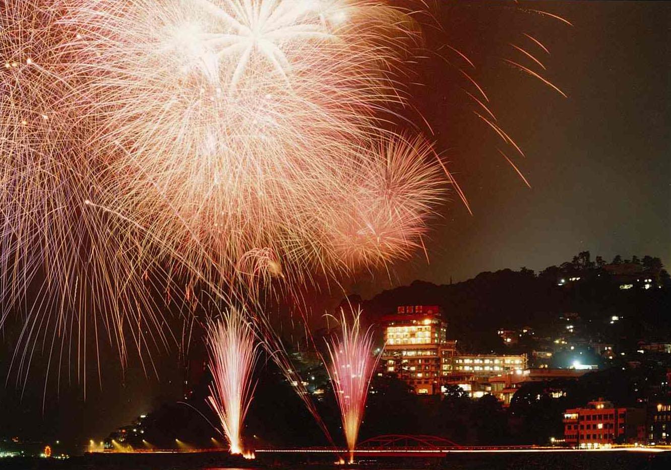 第14回伊豆山温泉さざえ祭り&花火大会
