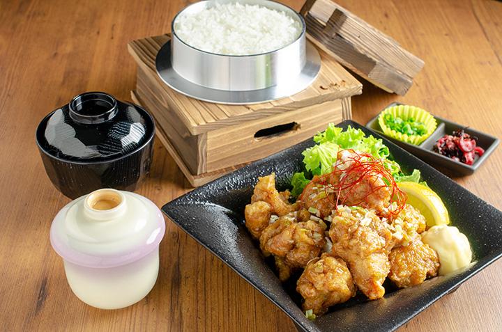 銀シャリ定食「唐揚げ」980円(税別)