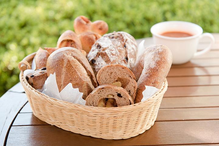 パンは「熟成」550円、「ショコラマロン」450円他