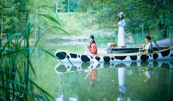 敷地内のコンパクトな池(ポンド)は初めてのカヌー体験にぴったり