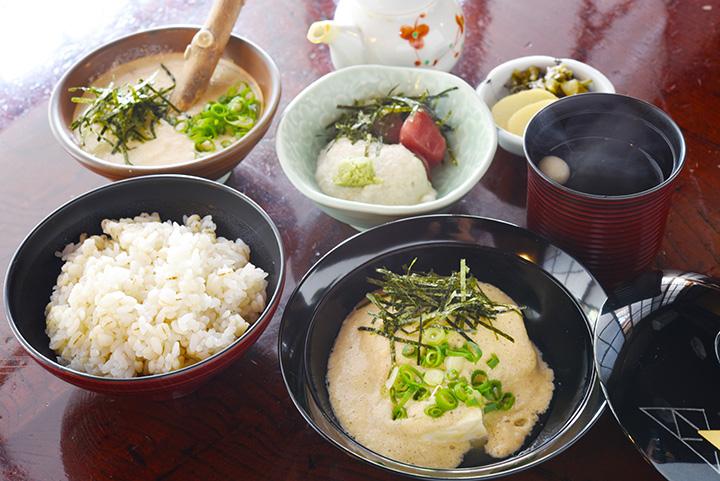 「早雲豆腐」も楽しめる「山芋点心」1,900円。好みで山芋を自然薯(じねんじょ)へ変更可能(+250円)
