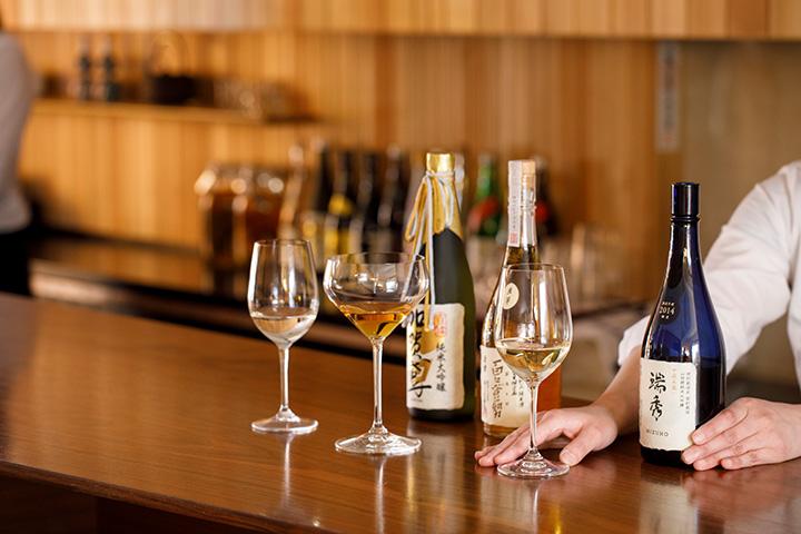 「プレミアム テイスティングコース」では、厳選した高級酒を飲み比べできる