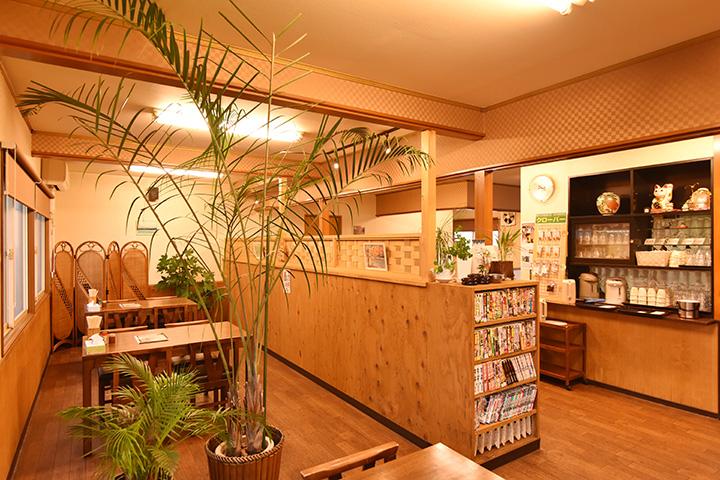 2012年にオープン。店内はアットホームな空間