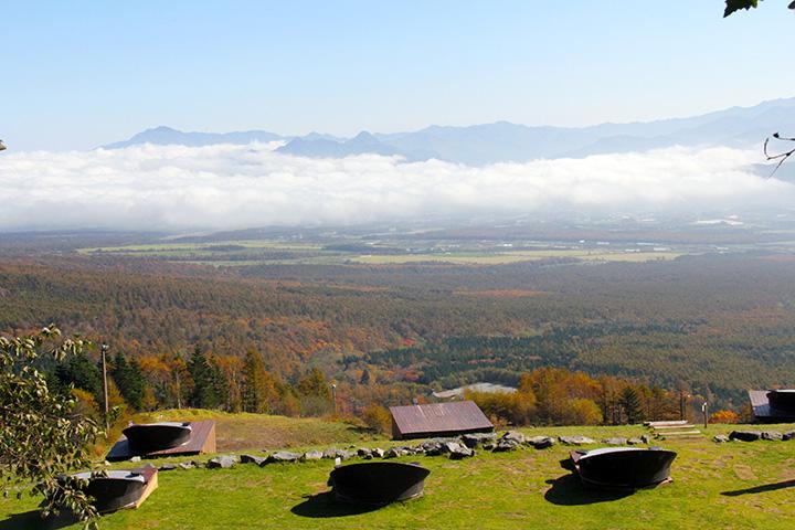 標高1,900mの特等席から望む紅葉の絶景