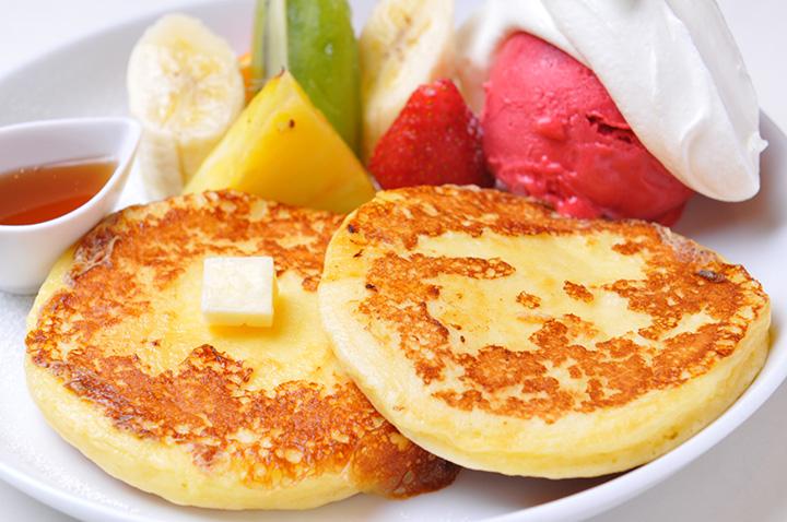 お好きなジェラートが選べる「フレンチメープルパンケーキ」1,100円(税別