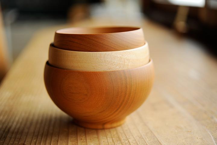 「箱根寄木細工」や布小物など、箱根らしいお土産が見つかる雑貨店