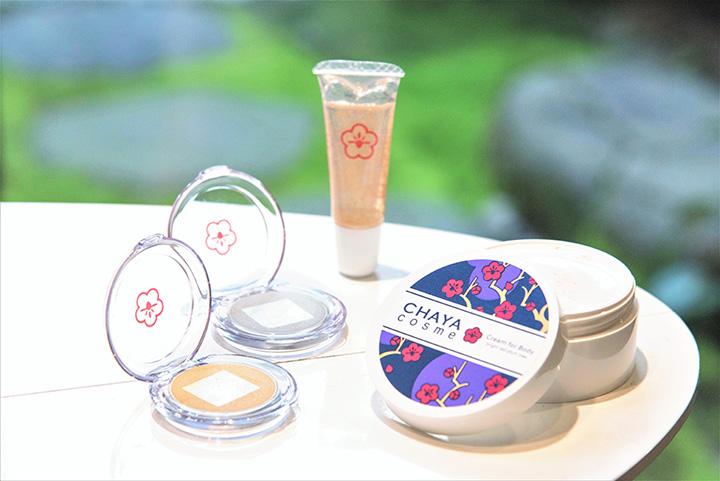 「CHAYA cosme」から、「クリームフォーボディ 紅い梅の香り50g」1,430円など