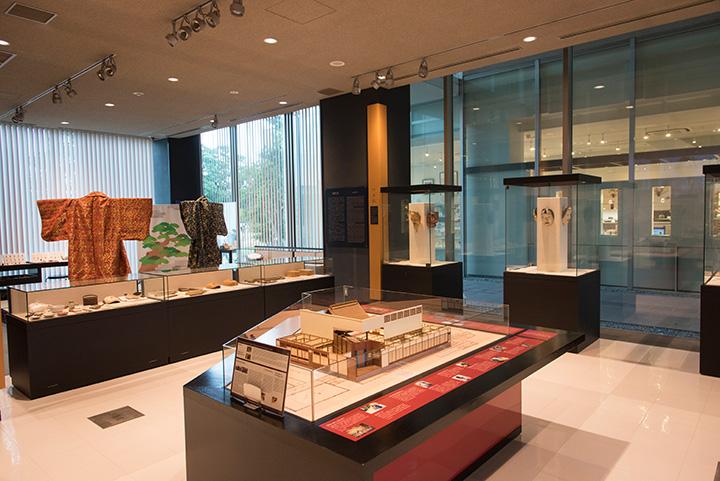 日本で唯一の能楽専門の美術館