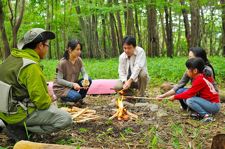 「カモシカの森でのたき火」はファミリーに人気