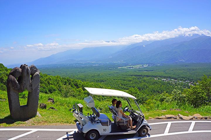 高原の風を感じながら、雄大な景色を楽しめます