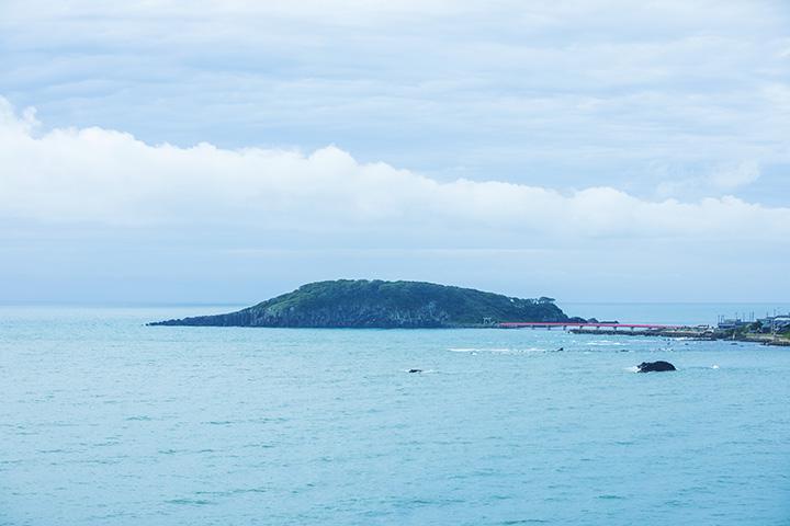 越前海岸でいちばん大きな「雄島」
