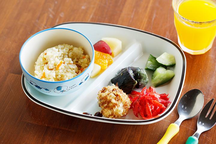 ごはんには能登島産の五分つき米を使用。「キッズランチプレート」500円